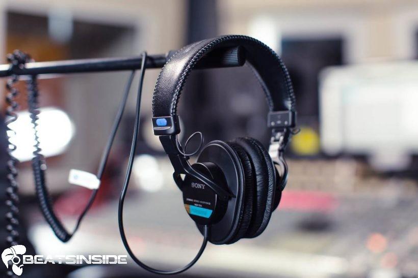 Best-Studio-Headphones-820x547 (1)