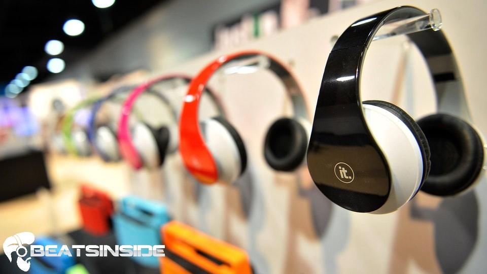 are bluetooth headphones safe - beatsinside